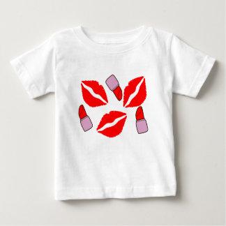 Camiseta Para Bebê beijos e batons
