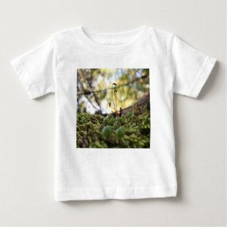 Camiseta Para Bebê Benevolência Mossy