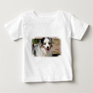 Camiseta Para Bebê Bennett - mini australiano - Rosie - praia de
