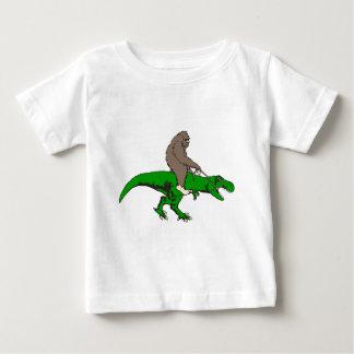 Camiseta Para Bebê Bigfoot que monta T Rex