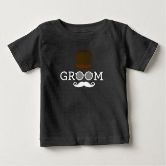 Camiseta Para Bebê Bigode & chapéu engraçados do noivo para o partido