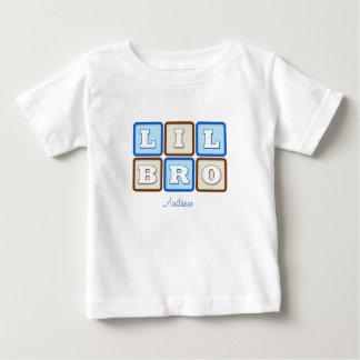 Camiseta Para Bebê Bloco de palavra bonito de Lil Bro com nome