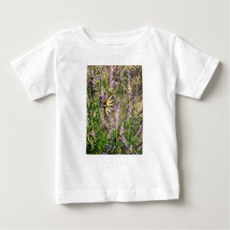 Camiseta Para Bebê Borboleta e lavanda