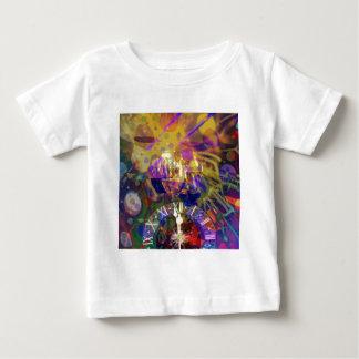 Camiseta Para Bebê Brinde no partido da celebração do ano novo