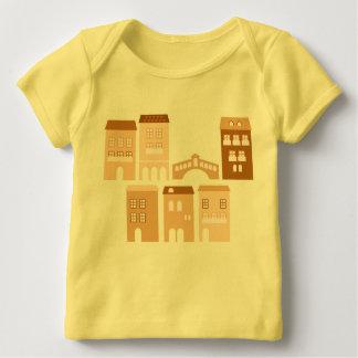 Camiseta Para Bebê Caçoa o tshirt dos desenhistas: amarelo com casas