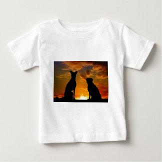 Camiseta Para Bebê Cães no por do sol
