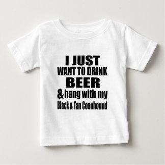 Camiseta Para Bebê Cair com meus preto & Coonhound de Tan