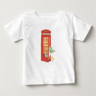 Camiseta Para Bebê Caixa de telefone, ilustração bonito dos animais