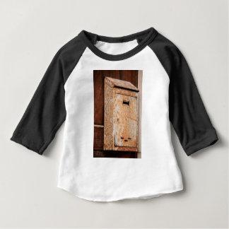 Camiseta Para Bebê Caixa postal oxidada fora