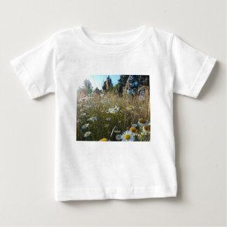 Camiseta Para Bebê Campo das margaridas