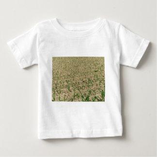 Camiseta Para Bebê Campo do milho do milho verde na fase inicial