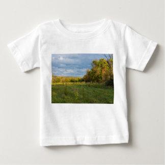 Camiseta Para Bebê Campo Overgrown do outono