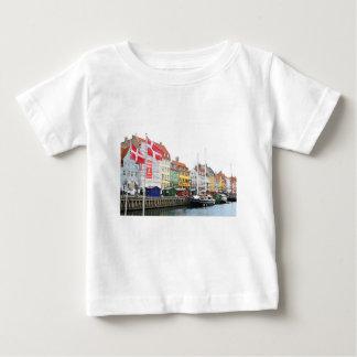 Camiseta Para Bebê Canal de Nyhavn em Copenhaga, Danmark