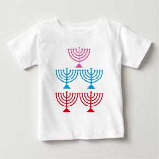 Camiseta Para Bebê Candelabro judaico da faísca de Menorah dos judeus