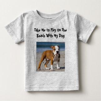 Camiseta Para Bebê Cão editável na praia