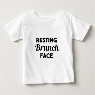 Camiseta Para Bebê Cara de descanso da refeição matinal
