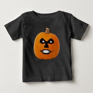 Camiseta Para Bebê Cara sinistra da lanterna do o de Jack, abóbora do