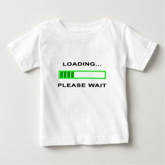 Camiseta Para Bebê Carregar… Espere por favor
