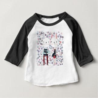 Camiseta Para Bebê Casal bonito do coelho do coelho do vintage no