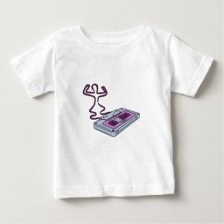 Camiseta Para Bebê Cassete de banda magnética compacta que levanta