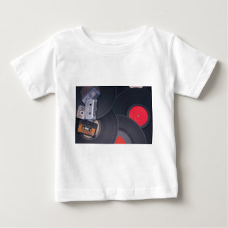 Camiseta Para Bebê cassetes de banda magnética retros do anos 80 e