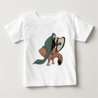 Camiseta Para Bebê Cavaleiro escuro que joga a harpa