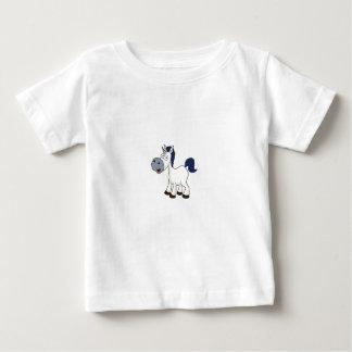 Camiseta Para Bebê cavalo branco dos desenhos animados