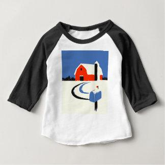 Camiseta Para Bebê Celeiro e caixa postal na neve