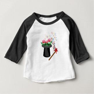 Camiseta Para Bebê chapéu e caneta mágicos