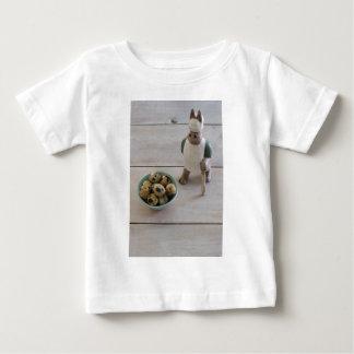 Camiseta Para Bebê Coelho & ovos em uma bacia