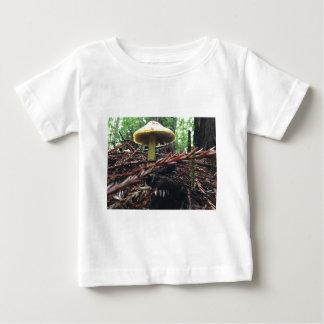 Camiseta Para Bebê Cogumelo amarelo do chapéu
