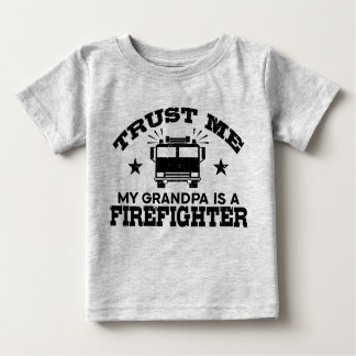 Camiseta Para Bebê Confie que eu meu vovô é um sapador-bombeiro