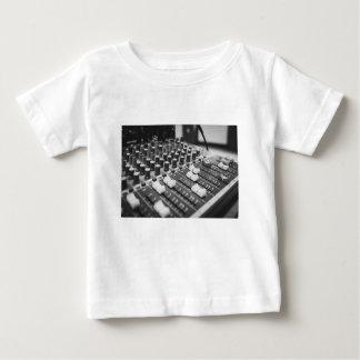 Camiseta Para Bebê Console branco preto preto e branco audio do