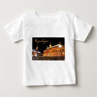 Camiseta Para Bebê Copenhaga, Dinamarca na noite