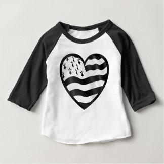 Camiseta Para Bebê Coração com bandeira de Bretin para dentro