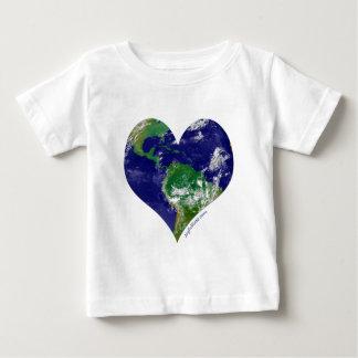Camiseta Para Bebê Coração do mundo