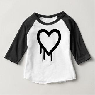 Camiseta Para Bebê Coração preto do gotejamento de Heartbleed