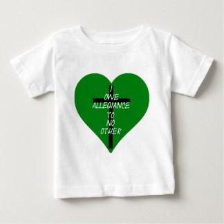 Camiseta Para Bebê Coração verde e cruz de IOATNO
