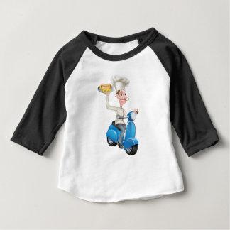 Camiseta Para Bebê Cozinheiro chefe no Moped do patinete com Hotdog e