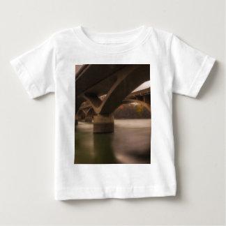 Camiseta Para Bebê Cruzamento dobro