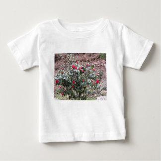 Camiseta Para Bebê Cultivar antigo da flor do japonica da camélia