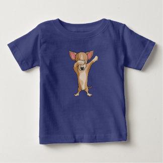 Camiseta Para Bebê Dança bonito de Dabber da chihuahua da solha