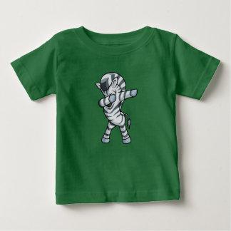 Camiseta Para Bebê Dança de toque ligeiro da solha do bebê do t-shirt