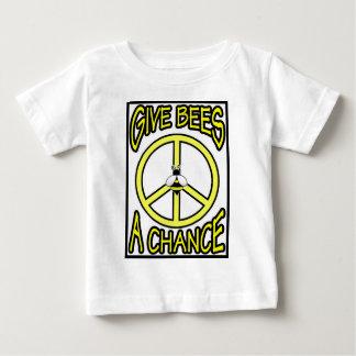 Camiseta Para Bebê Dê a abelhas uma possibilidade