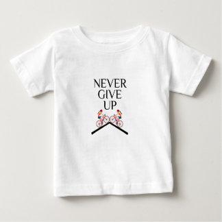 Camiseta Para Bebê Dê nunca nunca mantêm-se acima ir