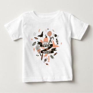 Camiseta Para Bebê Design dos presentes da doçura ou travessura