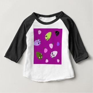 Camiseta Para Bebê Design exótico desenhado mão surpreendente da arte