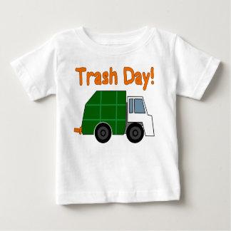 Camiseta Para Bebê DIA DO LIXO! - Caminhões de lixo do amor de I!!