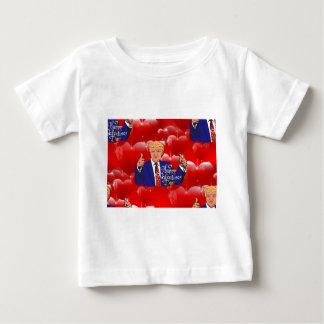 Camiseta Para Bebê dia dos namorados Donald Trump