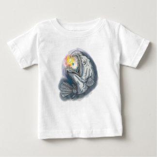 Camiseta Para Bebê Diabo-marinho que Swooping acima a atração